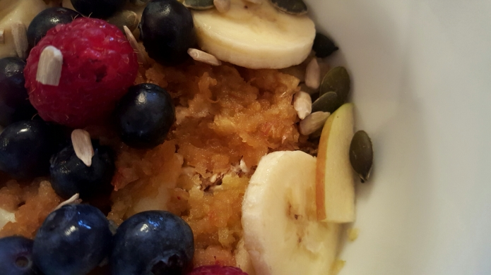 Spiced apple oat bowl 2
