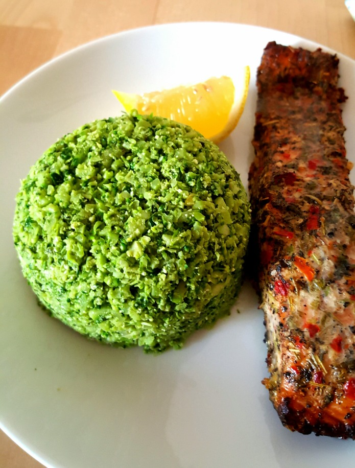 Broccoli rice with salmon