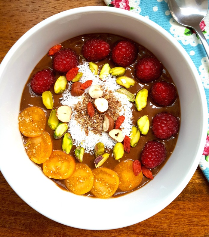 Cacao wheatgrass smoothie bowl 18