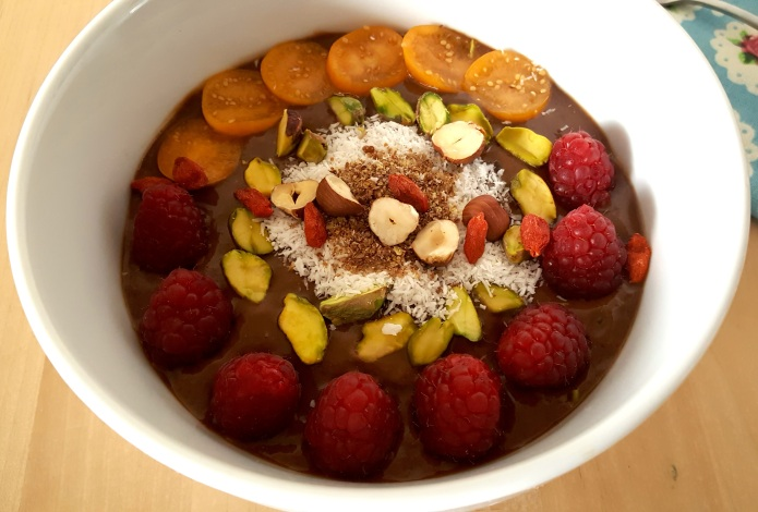 Cacao wheatgrass smoothie bowl 9