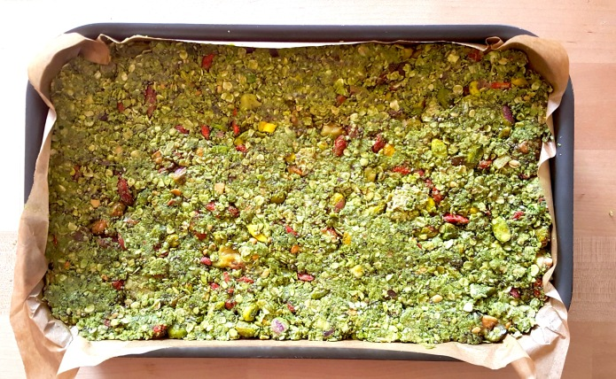 Green tea oat bar prep 1