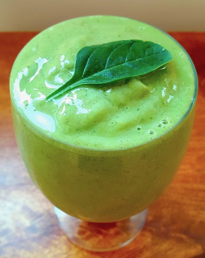 Mango spinach smoothie 2