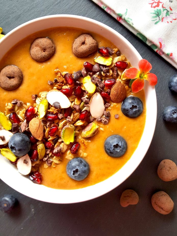 Orange pepper smoothie bowl 22