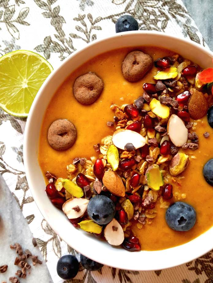 Orange pepper smoothie bowl 7